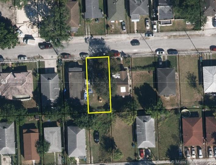Vacant land in the more growing area in Miami, Zoning Code: RU-2 - TWO-FAMILY RESIDENTIAL DISTRICT, 7,500 FT2 NET.  Built your dream home or a duplex for income. Land does not have service (FPL / Sewer)