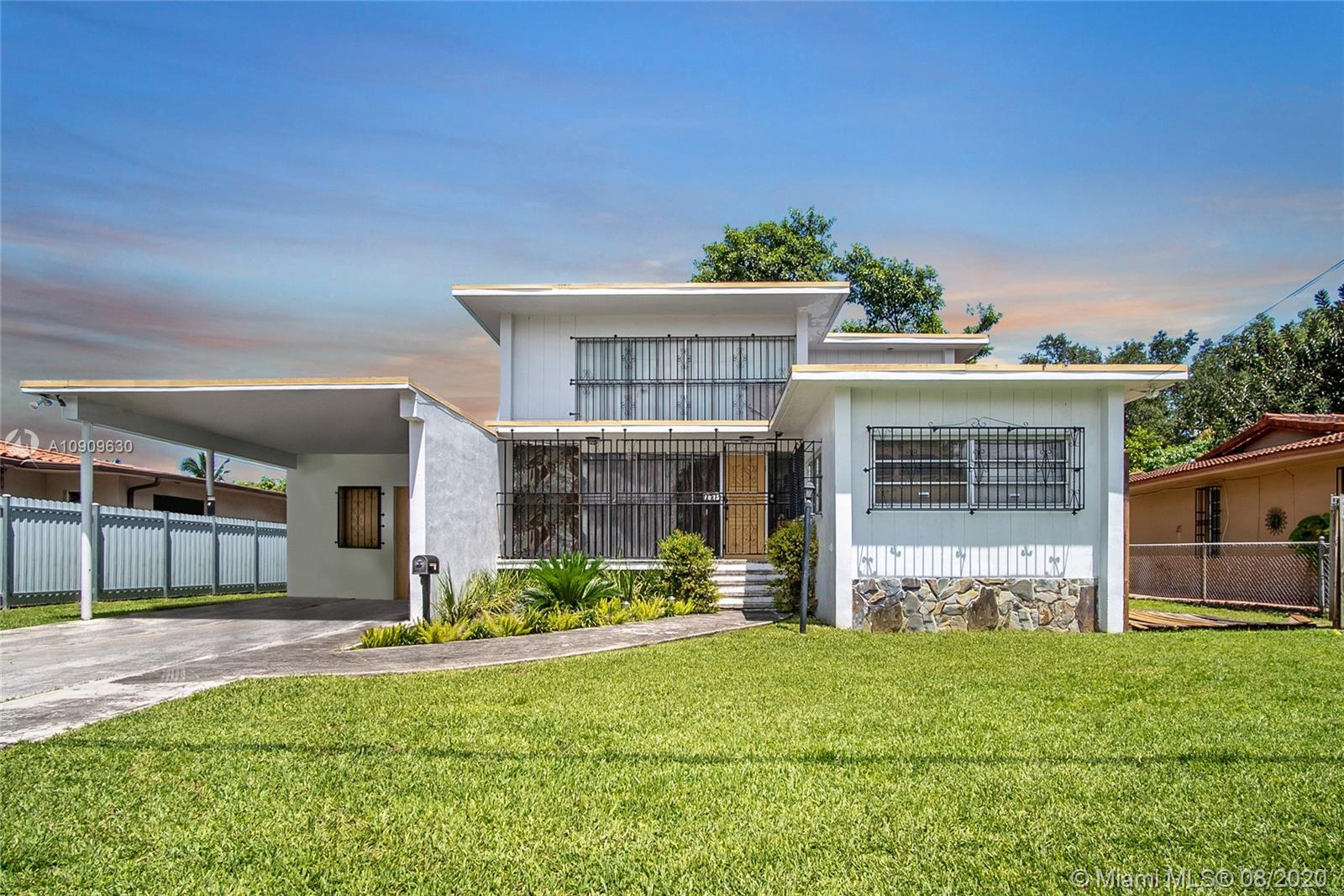 1025 NW 19th Ave  For Sale A10909630, FL