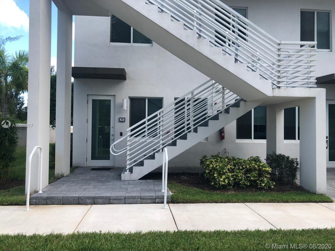 10229 NW 64th Ter #101 is a condo in Doral, FL 33178. This 1,322 square foot condo features 3 bedrooms and 2 bathrooms.