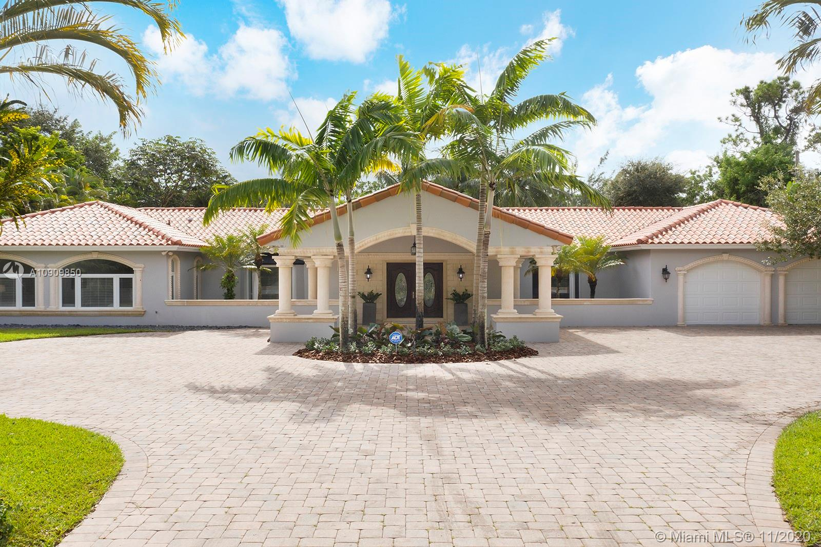 6750 SW 97th St  For Sale A10909850, FL
