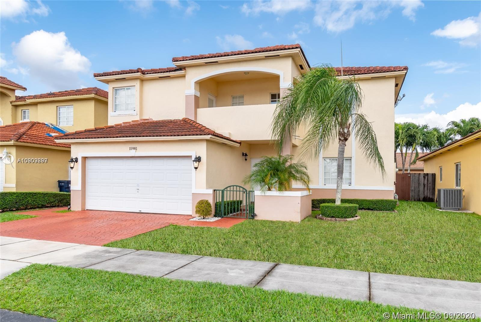 15981 SW 54th Ter  For Sale A10909897, FL