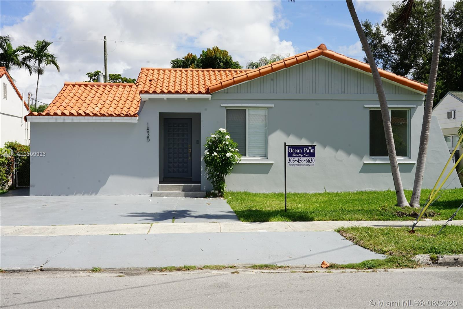 1835 SW 19th St  For Sale A10909926, FL