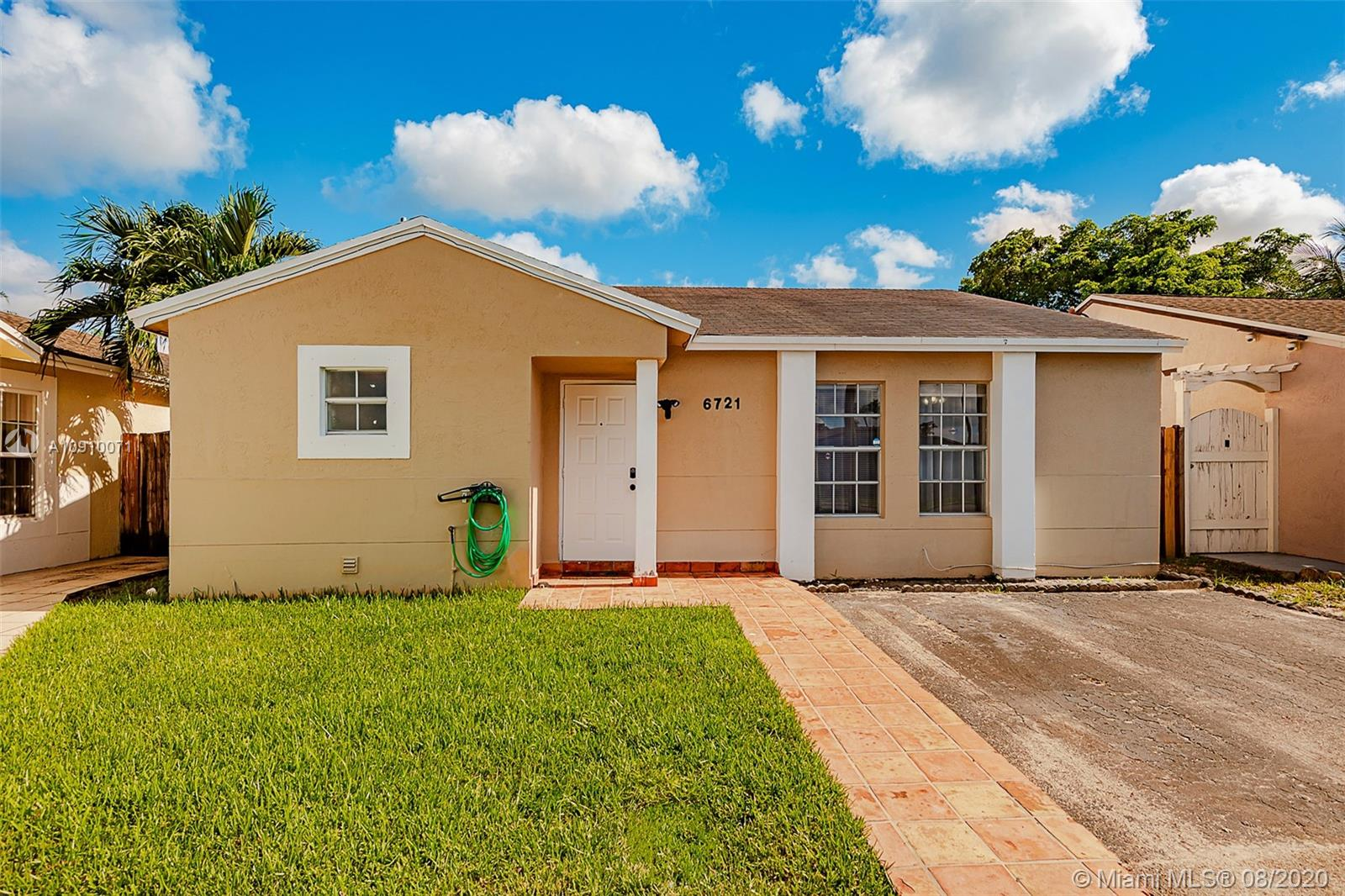 6721 NW 199th Ter  For Sale A10910071, FL