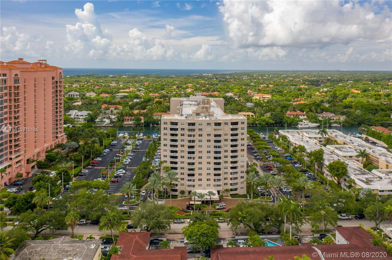 90 Edgewater Dr #412, Coral Gables FL 33133