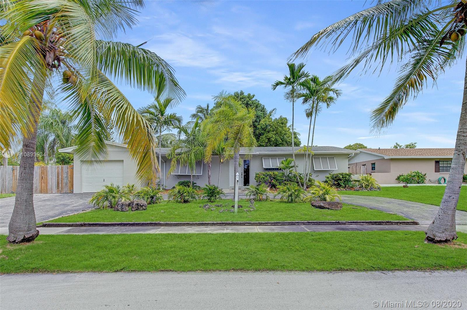 19685 SW 88th Ct  For Sale A10893934, FL