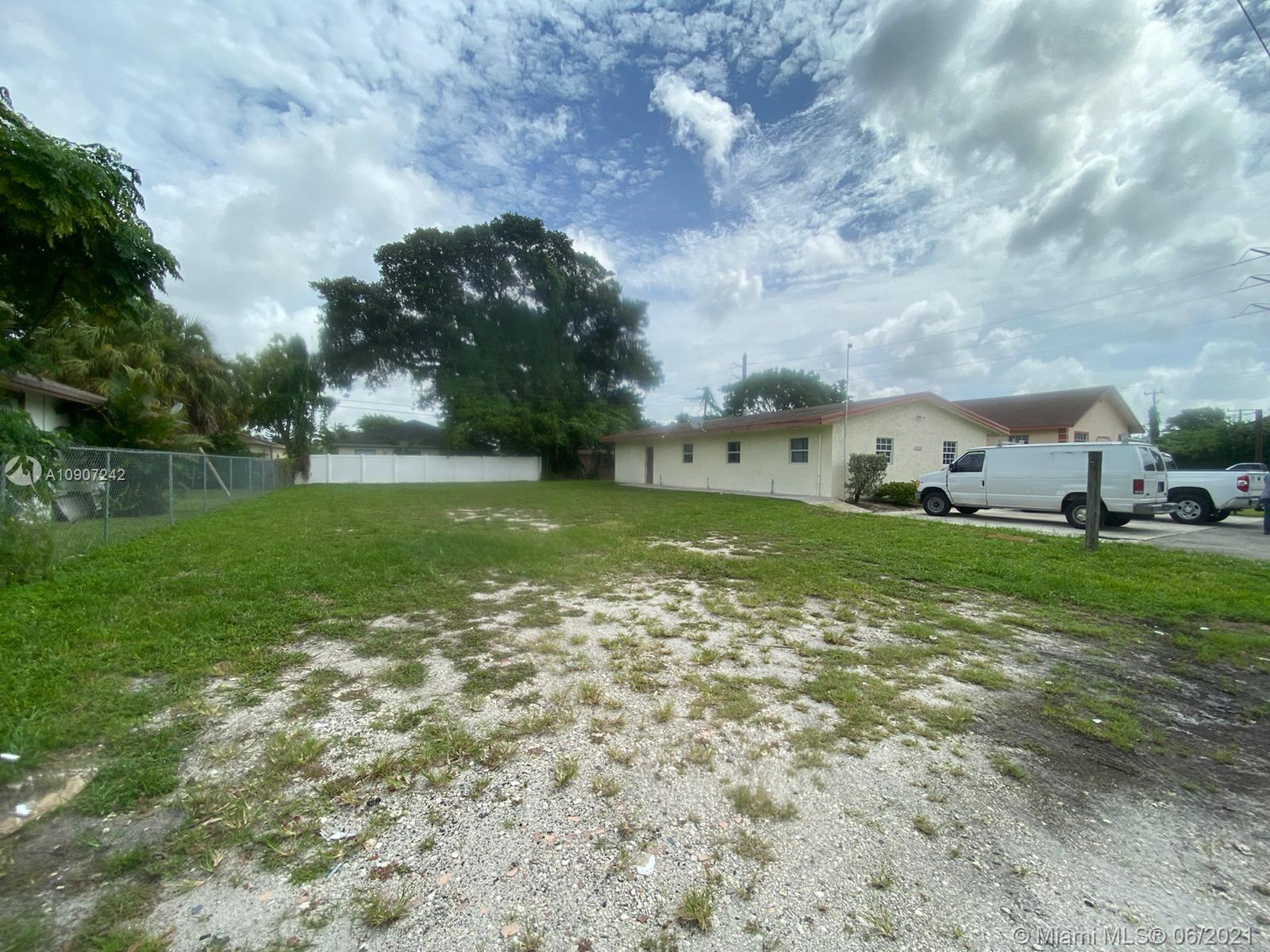 2140 NW 2nd St  For Sale A10907242, FL