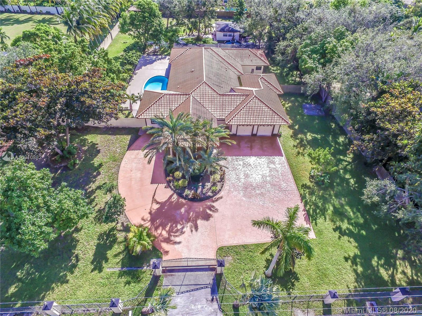 8540 SW 112 ST  For Sale A10910882, FL