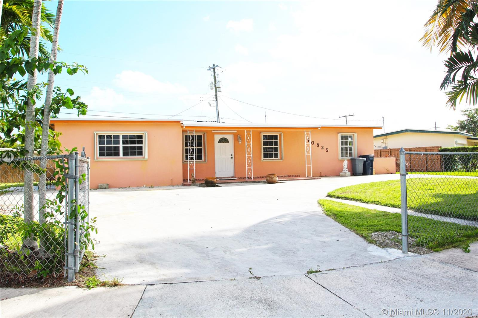 10825 SW 52nd Dr  For Sale A10911029, FL