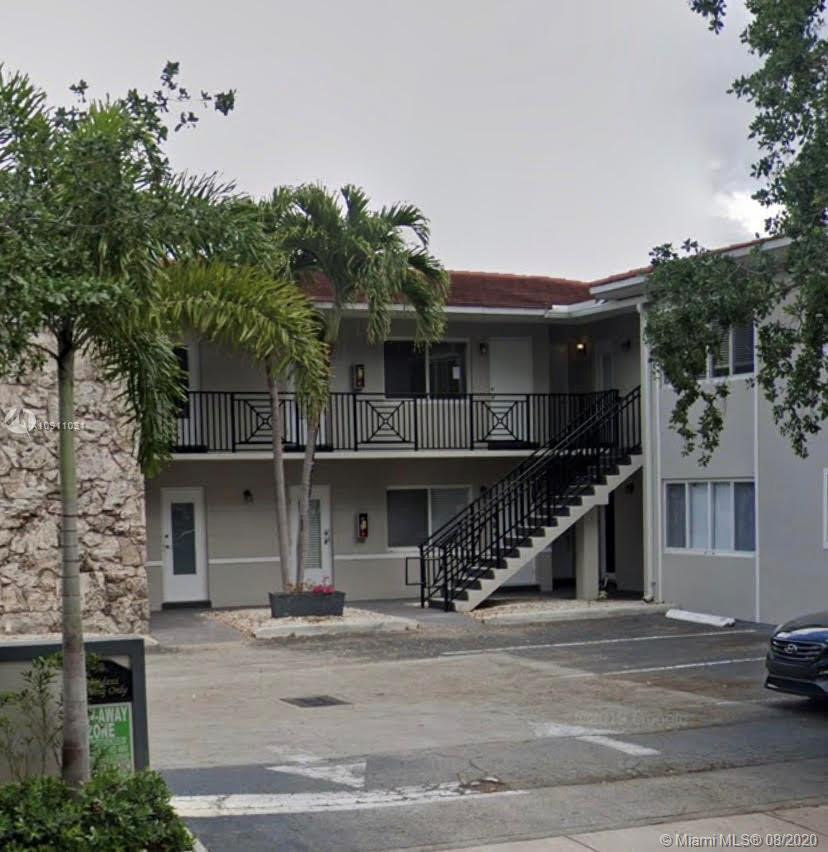 1BED/1BATH CONDO IN THE EDGEWATER AREA IN CORAL GABLES. UNIT IS VERY CENTRAL. NEAR COCONUT GROVE, CORAL GABLES, SOUTH MIAMI AREAS RESTAURANTS, SHOPPING. RARE OPPORTUNITY TOTALLY UPDATED !!!