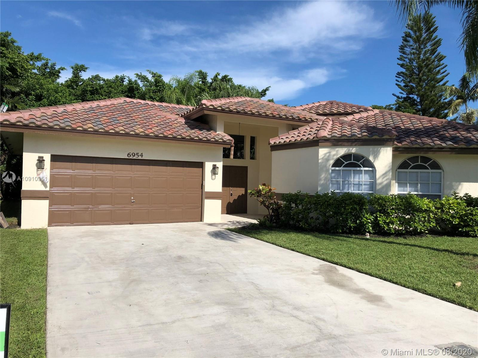 6954 NW 19th Ct, Margate FL 33063