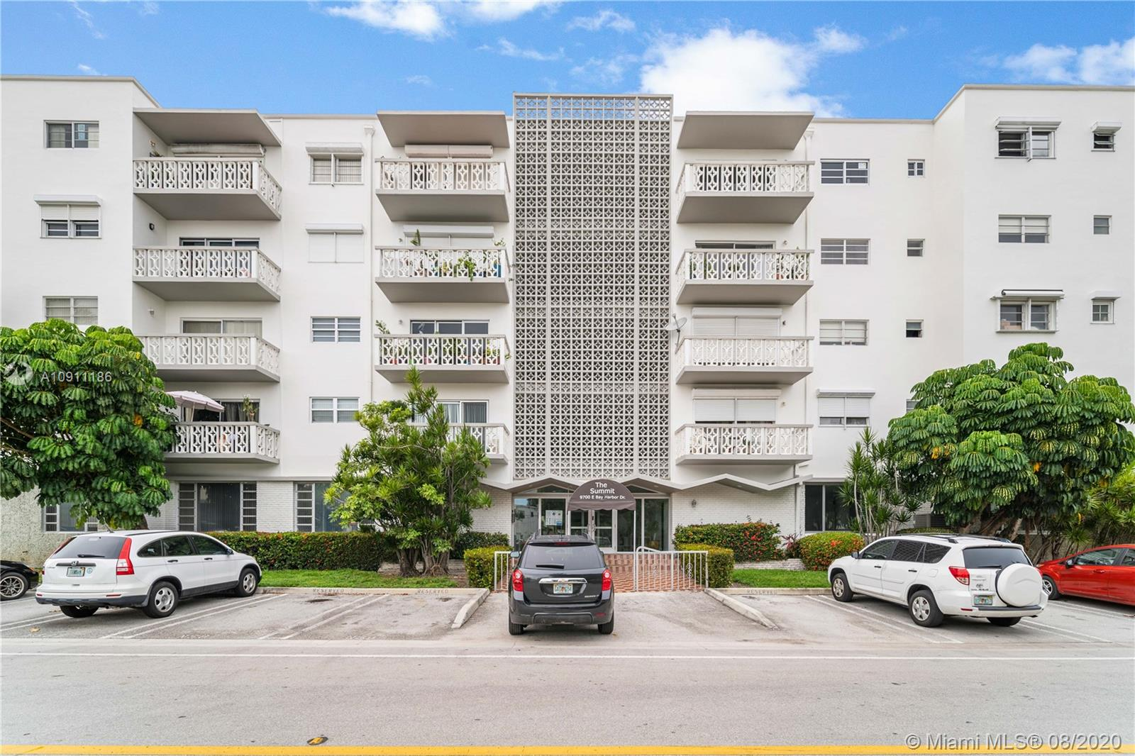 This corner 1 bedroom and 1 and a half bathroom unit has a brand new Beautifully redone kitchen with views to the intercoastal and pool area. Located in sought after Bay Harbor Island walk to the Beach ,shopping and restaurants. Unit has two walk in closets in the master bedroom along with new vanity's in each bathroom with 2 additional storage space closets  in the hall ways. IF that wasn't enough storage space the unit comes with an additional storage unit on the first floor. New electrical panel  Easy to show!