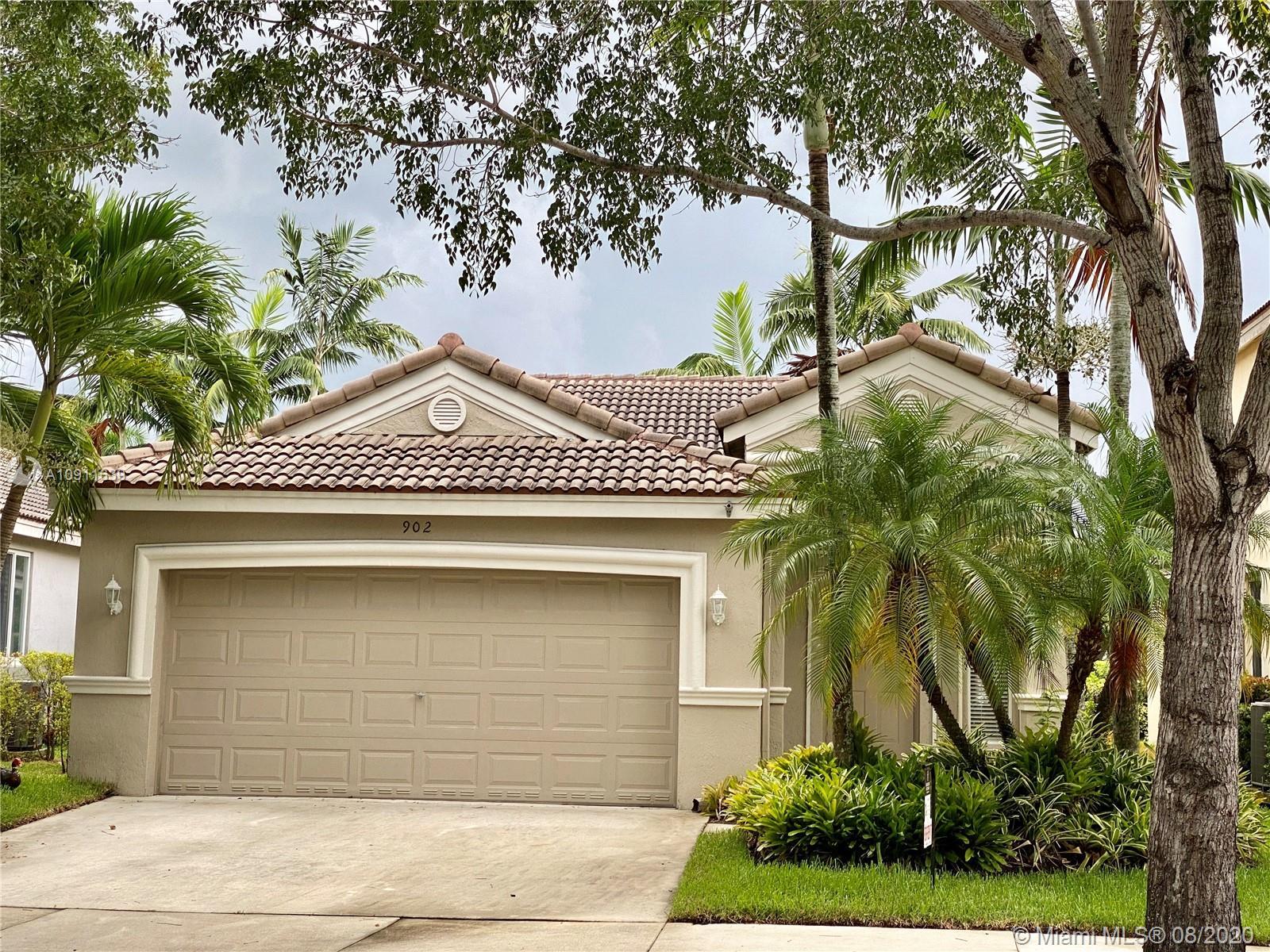 902 Golden Cane Dr, Weston FL 33327