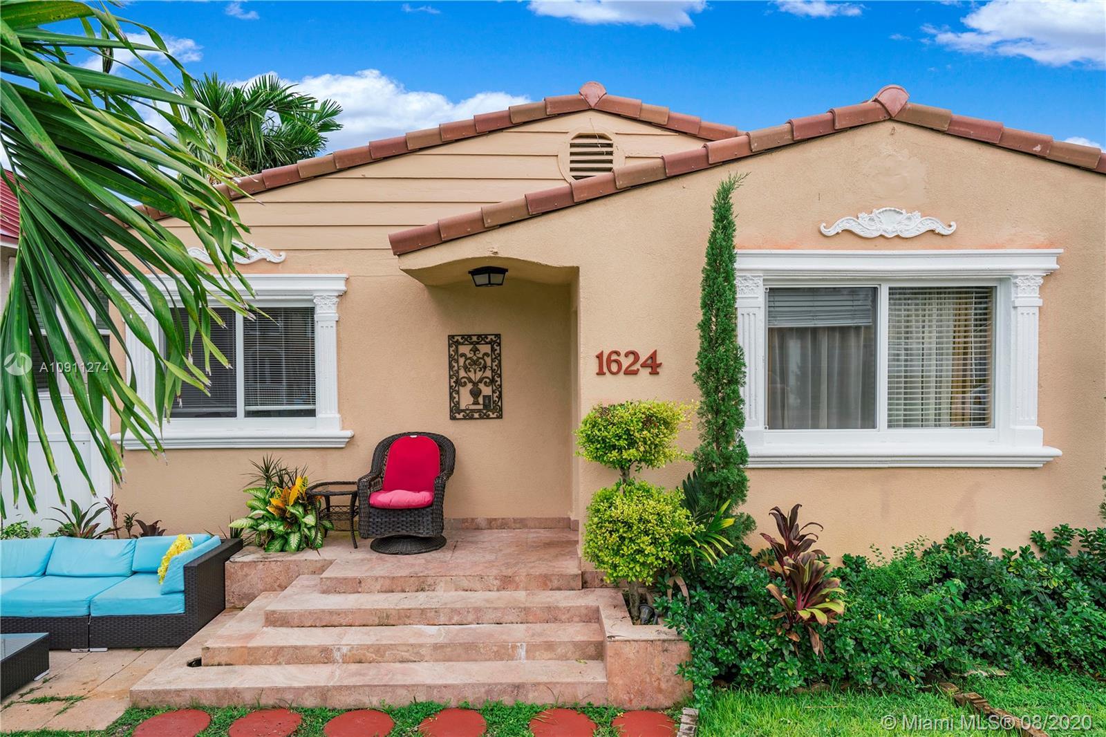 1624  Van Buren Street  For Sale A10911274, FL