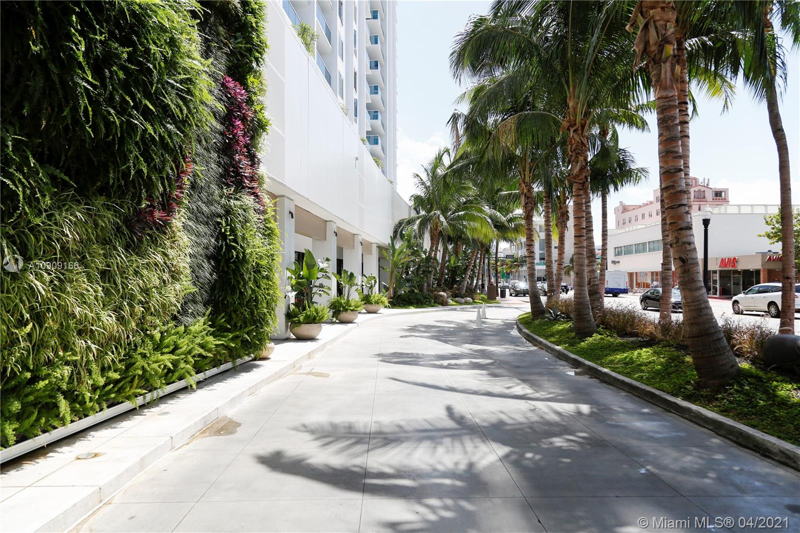2301  Collins Ave #335 For Sale A10909166, FL