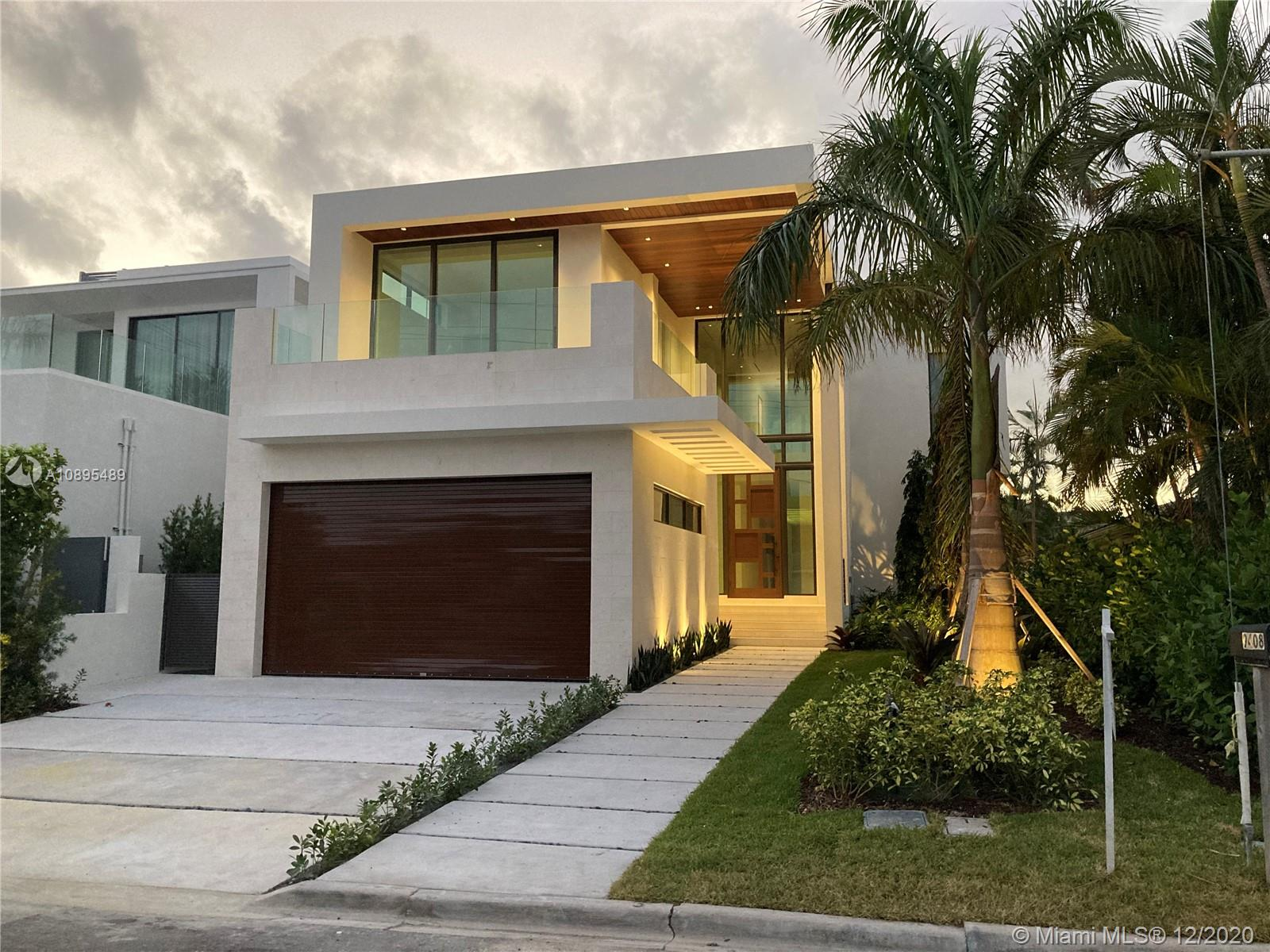 9408  Bay Drive  For Sale A10895489, FL