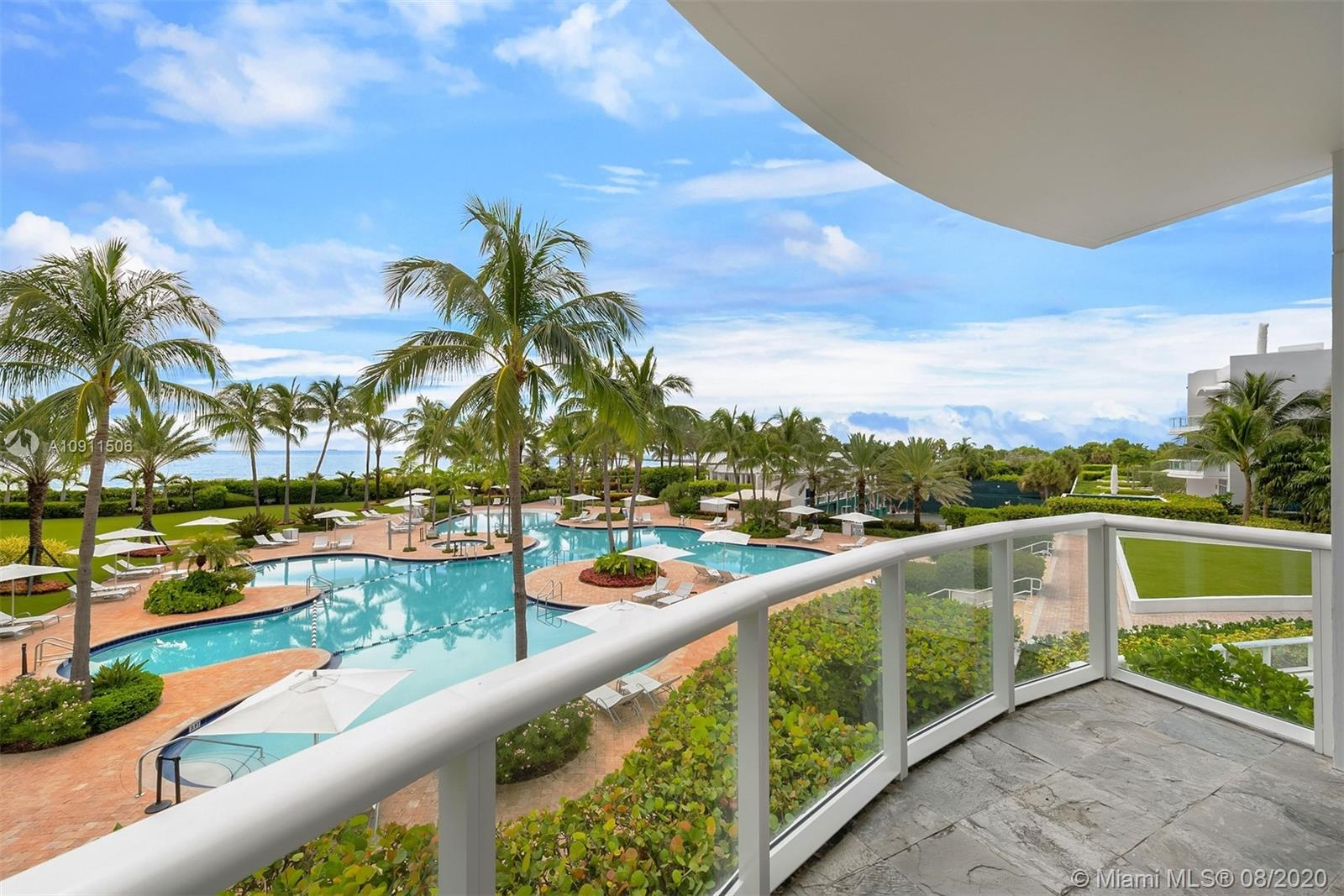 100  POINTE DR #TH-1 For Sale A10911506, FL