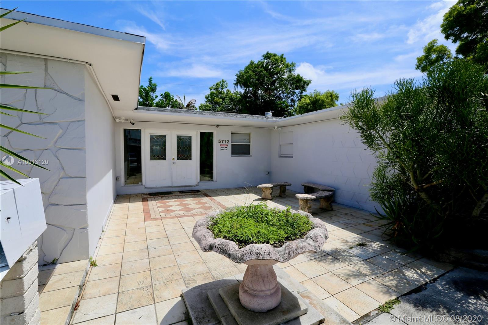 5712  Hollywood Blvd  For Sale A10913120, FL