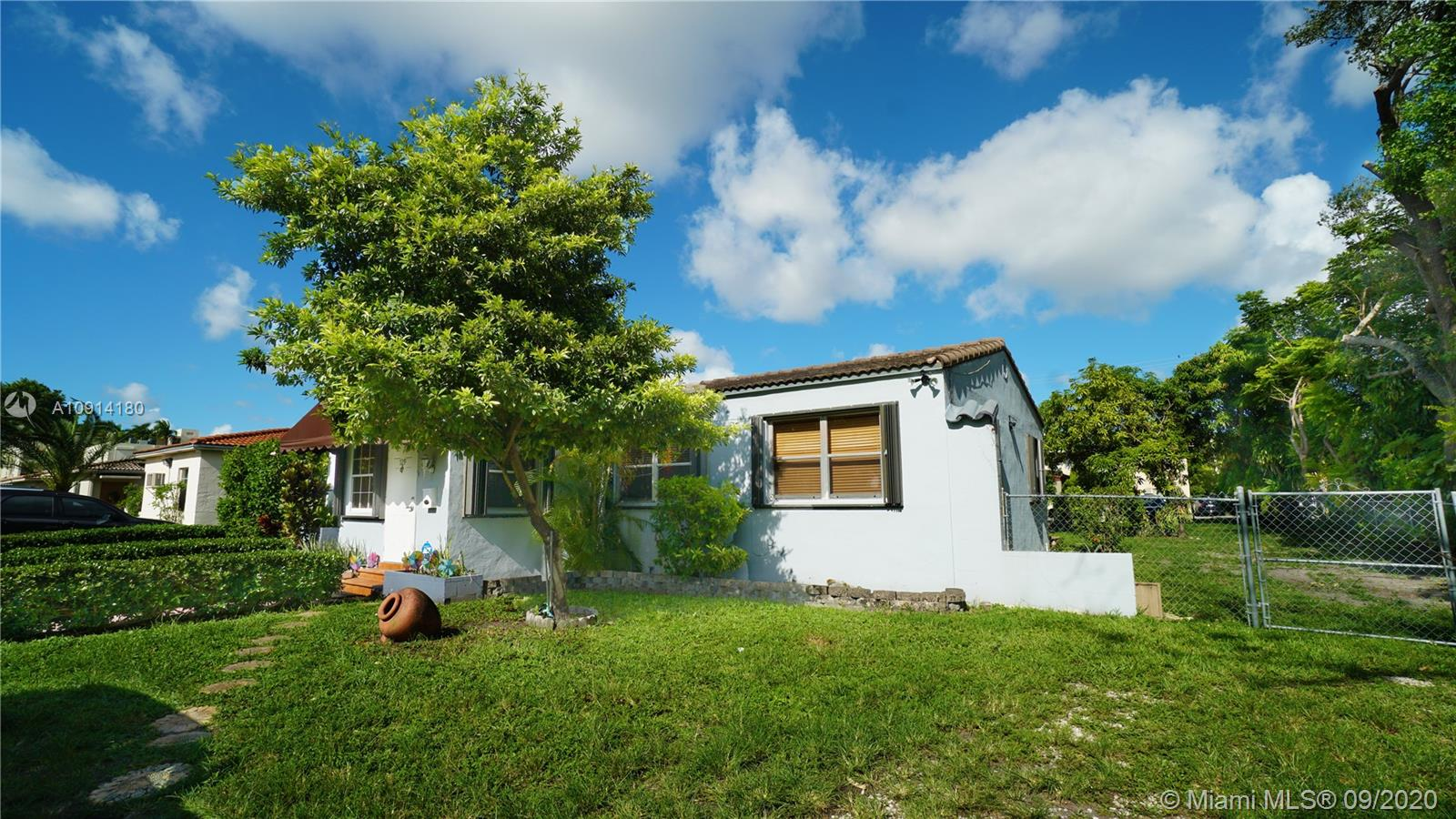 729  Red Rd  For Sale A10914180, FL
