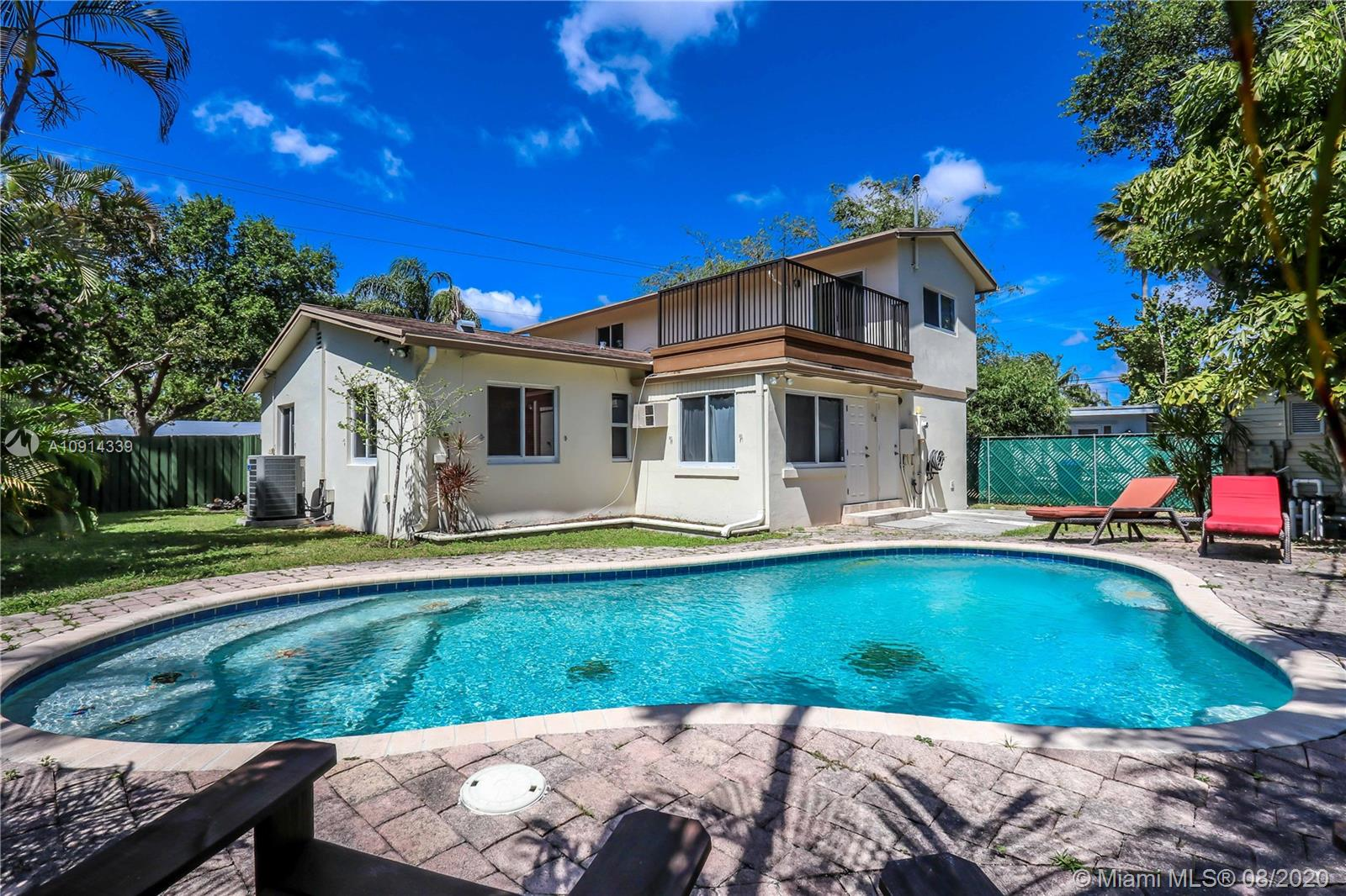 407 N 28th Ave  For Sale A10914339, FL
