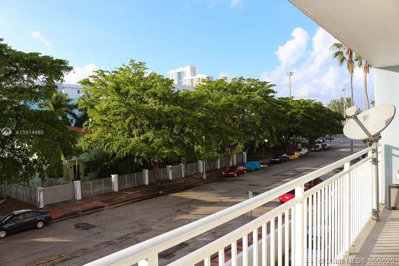 1045  10th St #304 For Sale A10914465, FL