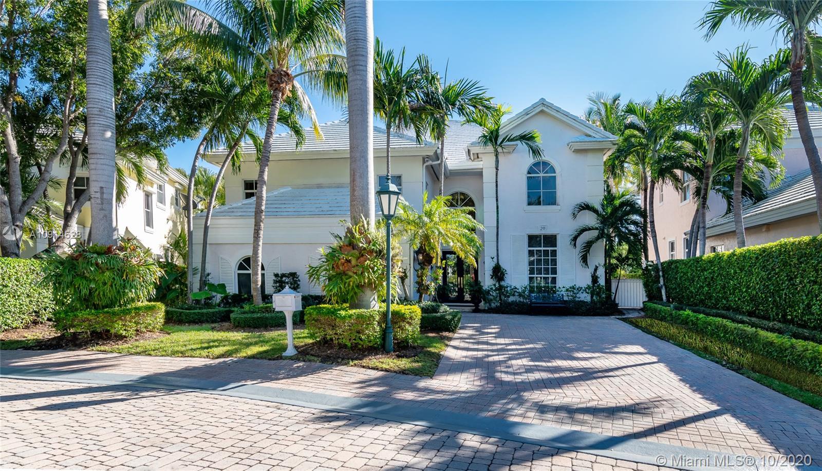 29  Grand Bay Estates Cir #29 For Sale A10914528, FL