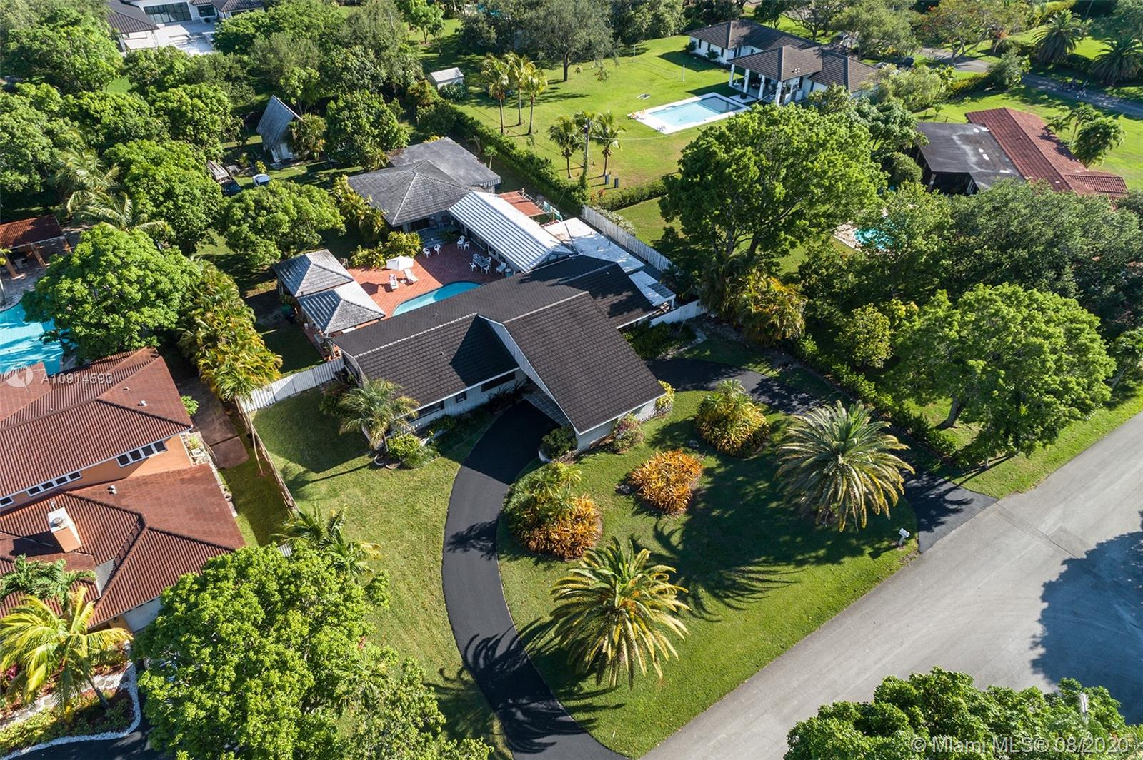 8960 SW 118th St  For Sale A10914593, FL