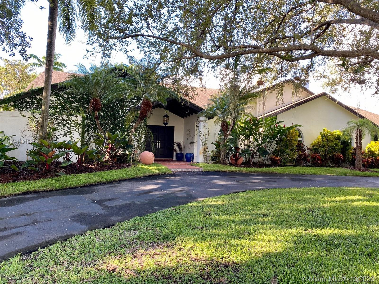 8440 SW 182nd Ter  For Sale A10915214, FL