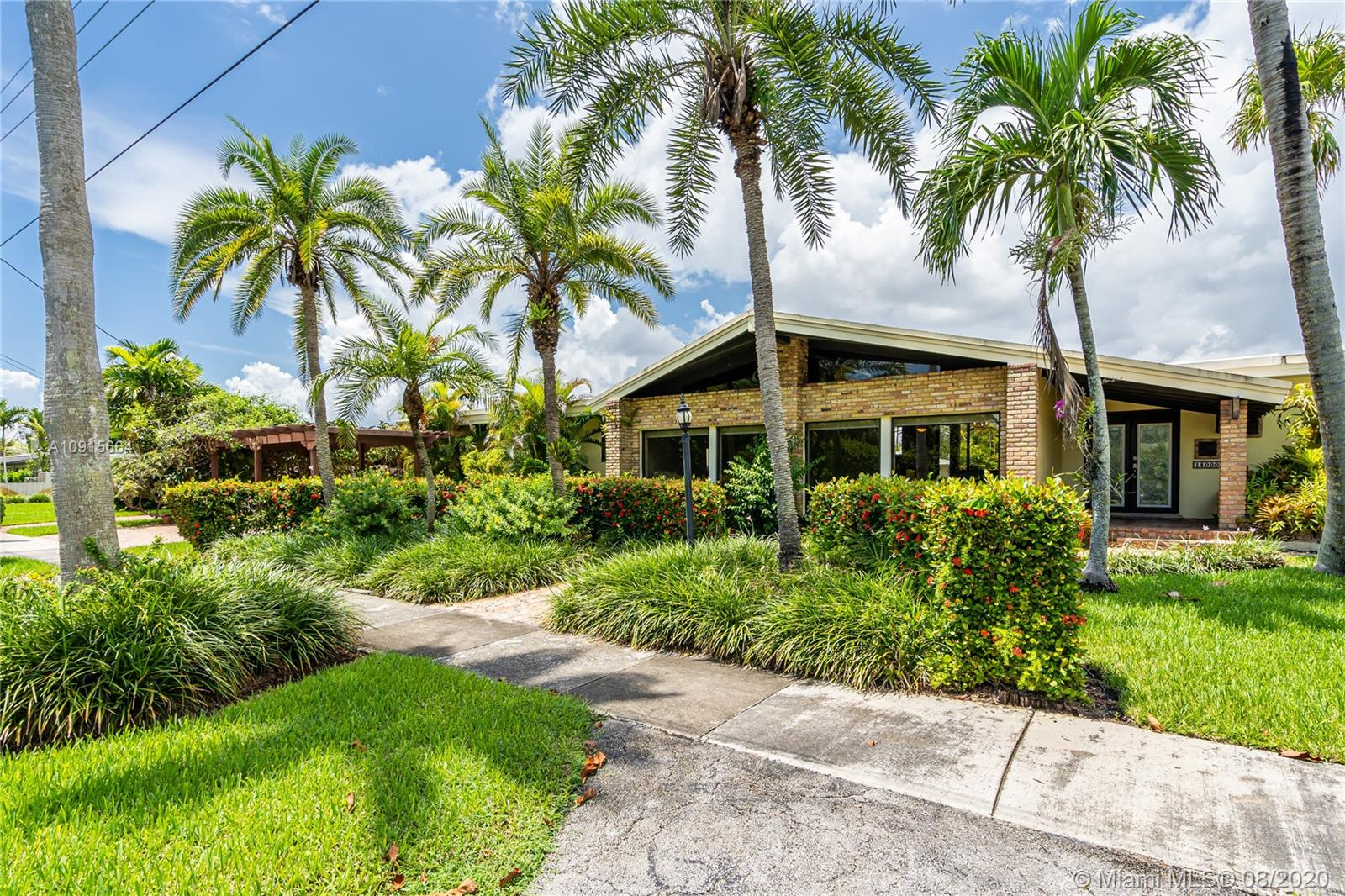 14000 SW 72nd Ave  For Sale A10915664, FL