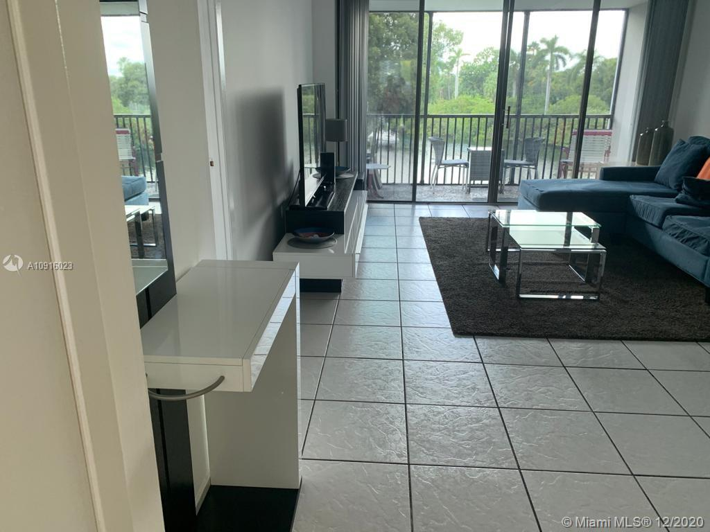 3401 N Country Club Dr #304 For Sale A10916023, FL