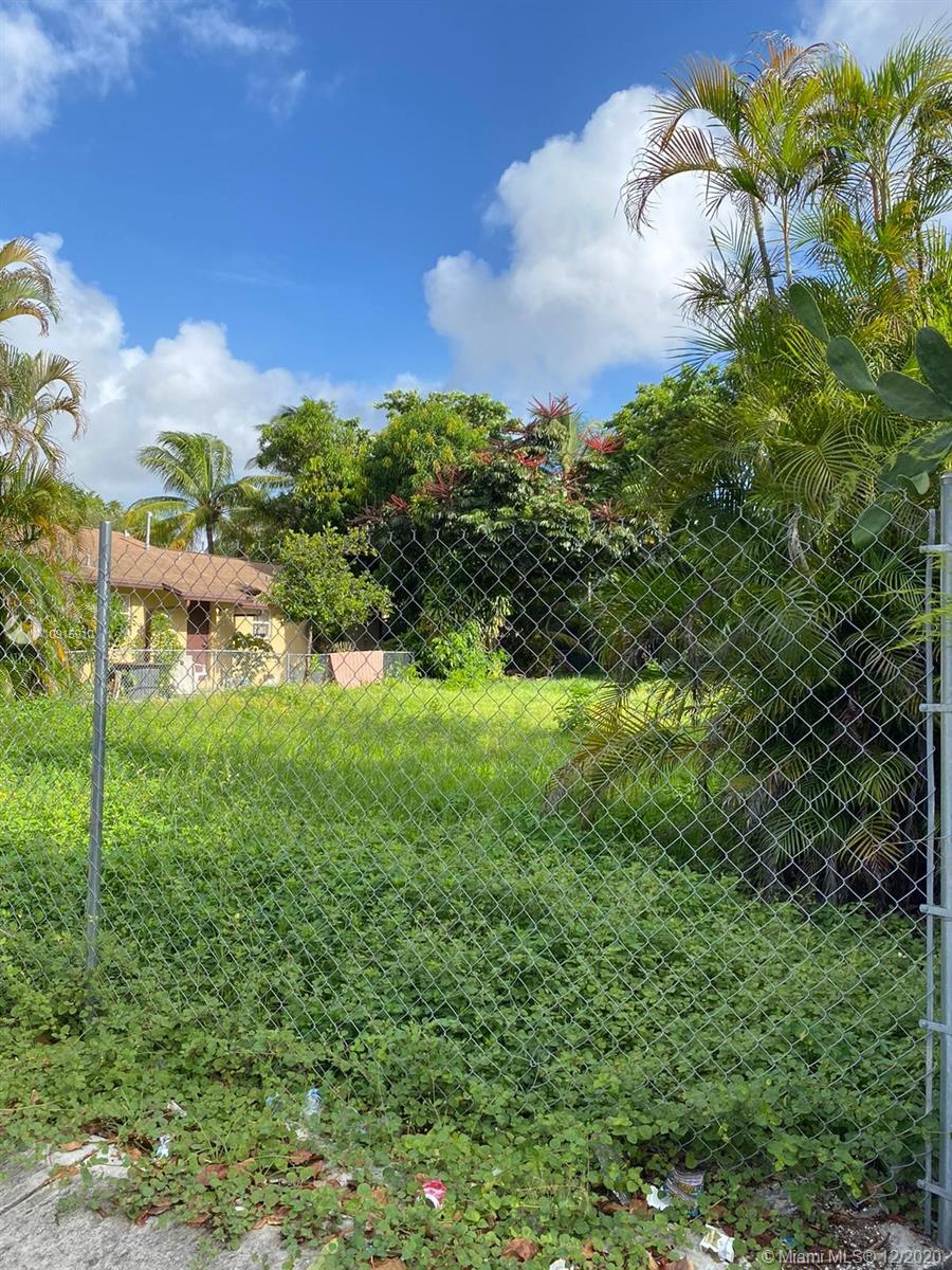 129 NW 30th St  For Sale A10915910, FL