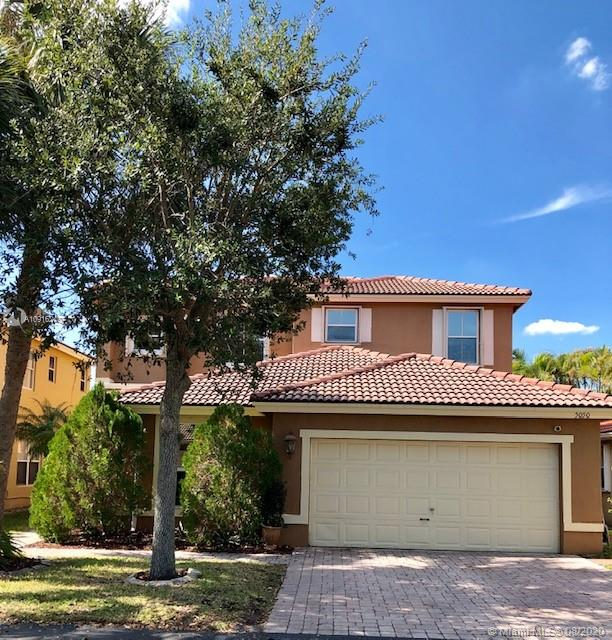 5050 SW 35th Ter  For Sale A10916240, FL