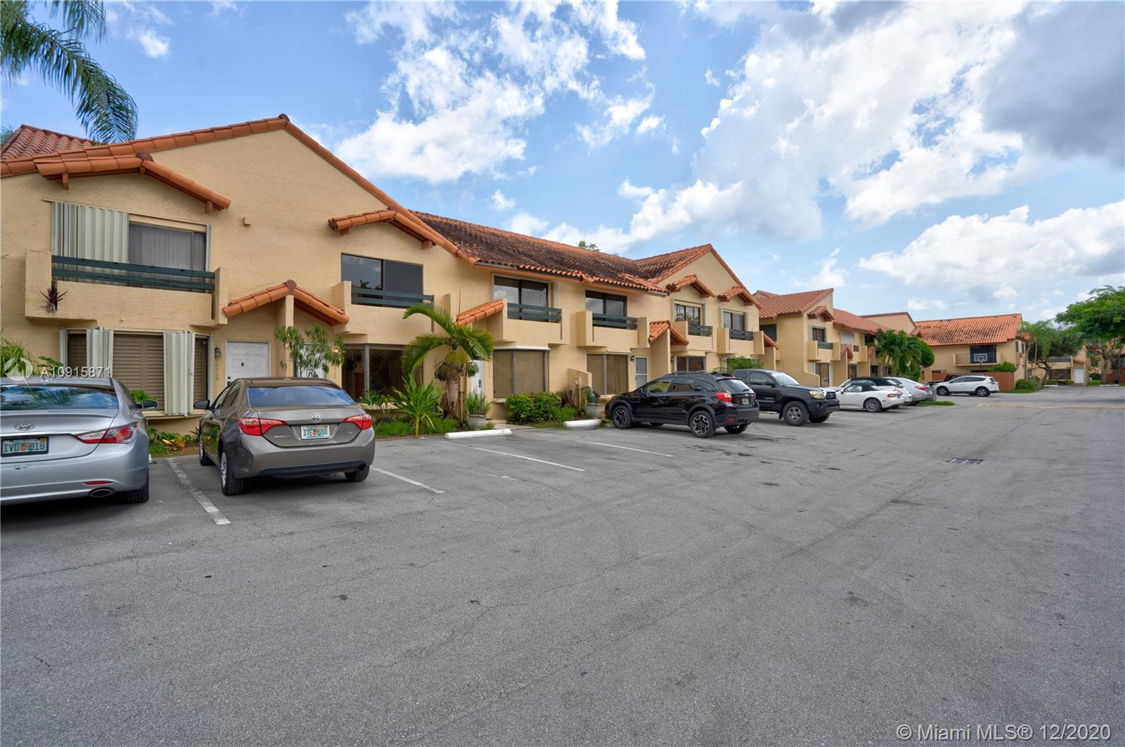 10062 SW 77th Ct #10062 For Sale A10915871, FL