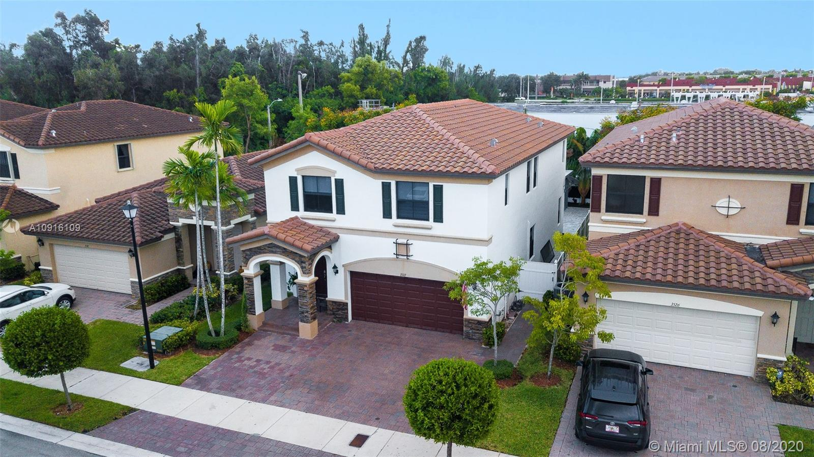 3522 W 86th Ter  For Sale A10916109, FL