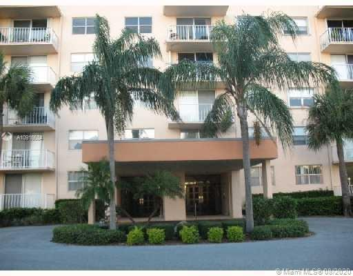 480  Executive Center Dr #3N For Sale A10916684, FL