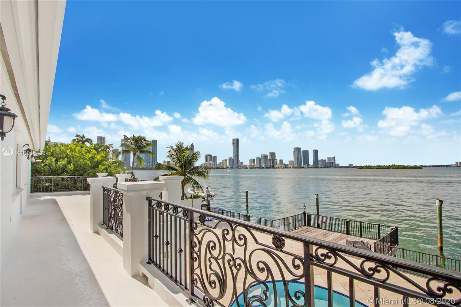 1001 N Venetian Dr  For Sale A10916423, FL