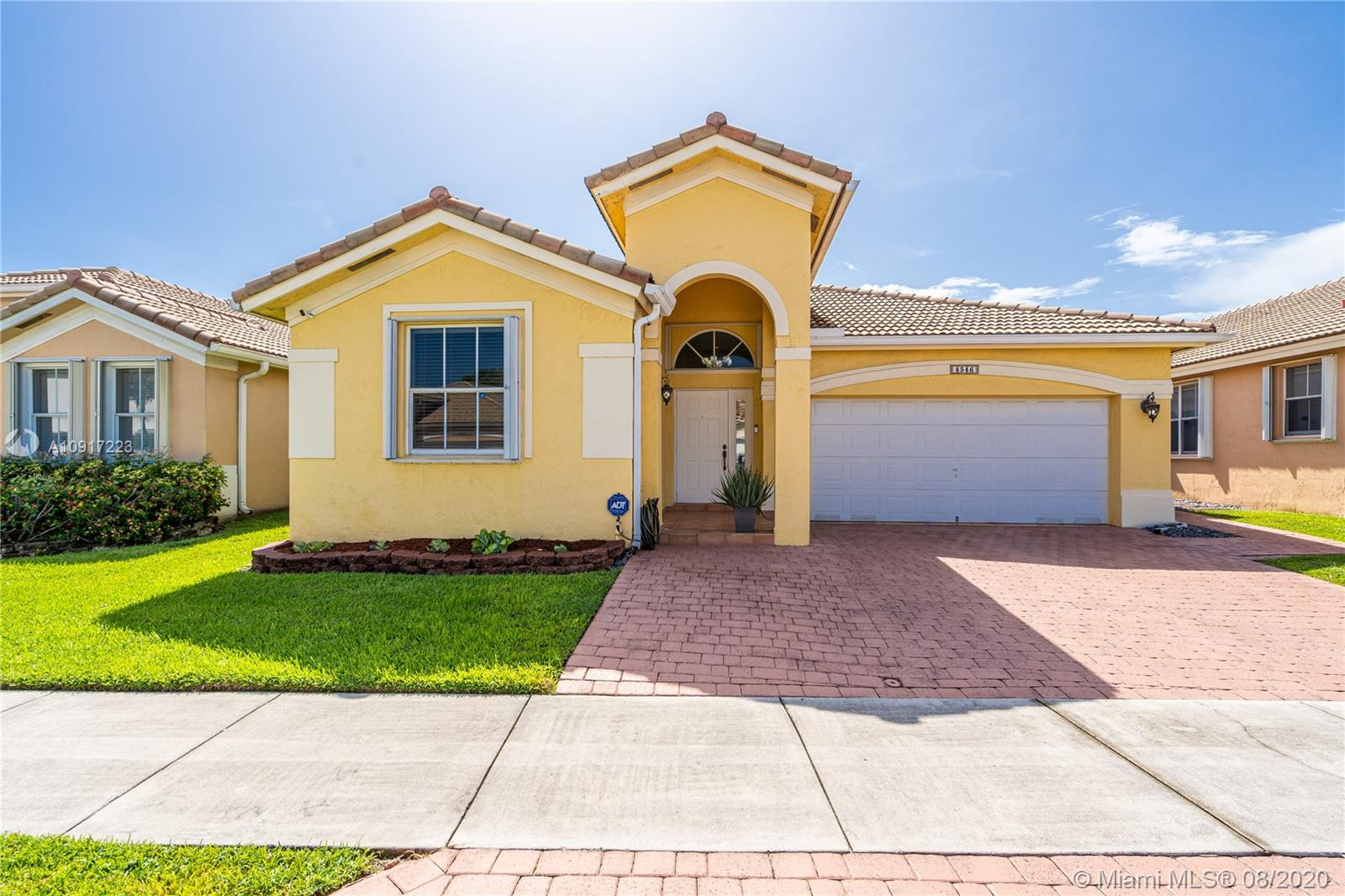 4546 NW 95th Ave  For Sale A10917223, FL