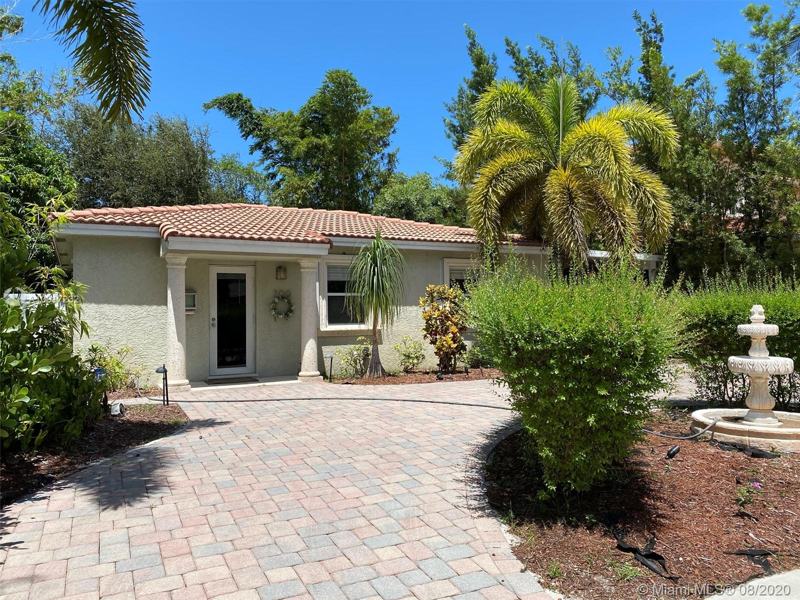 709 SW 16th Ct  For Sale A10917232, FL