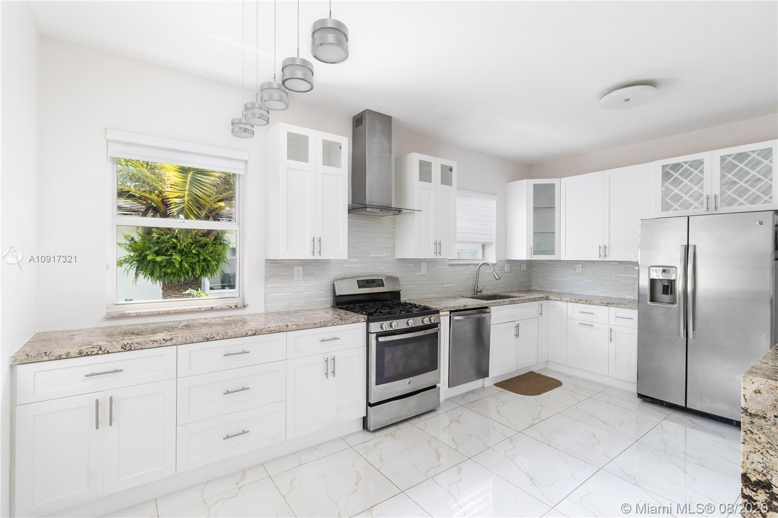 1326 15th St Unit 3, Miami Beach, Florida 33139