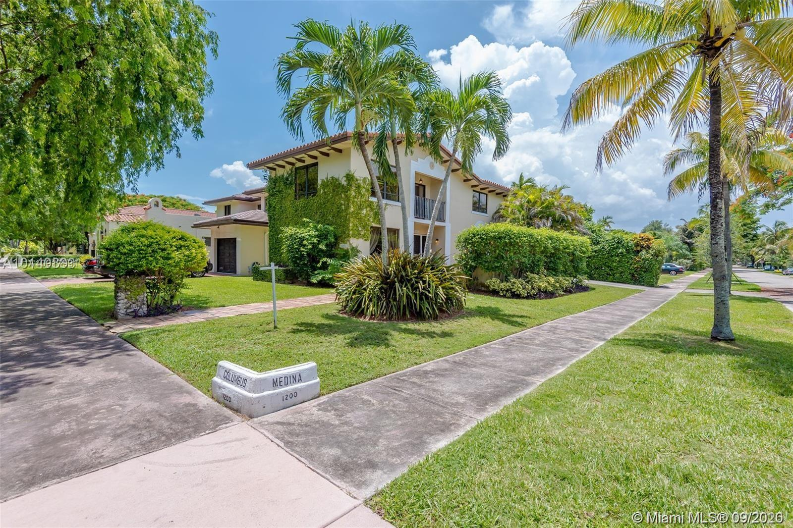 1202  Columbus Blvd  For Sale A10917991, FL