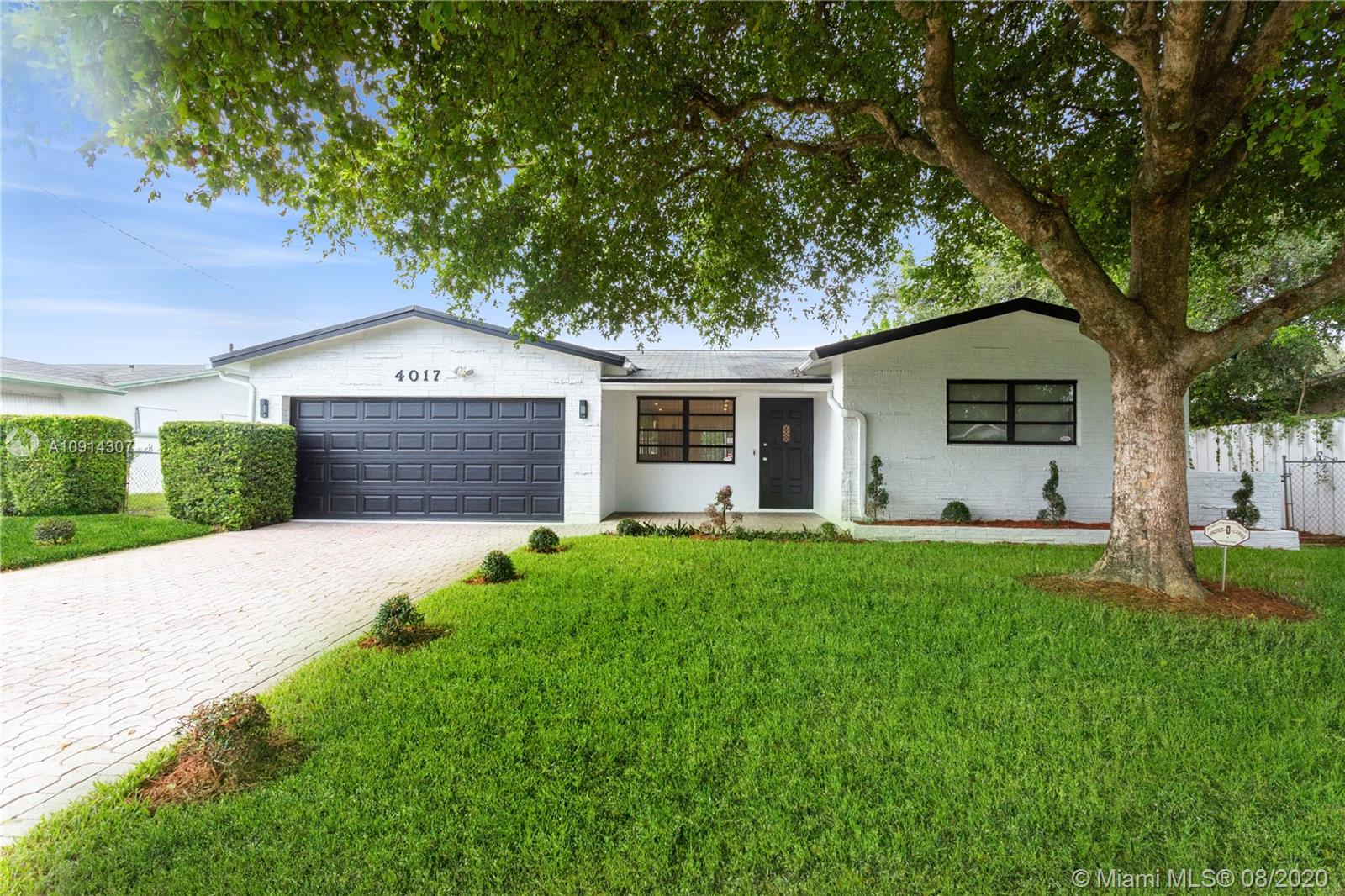 4017  Monroe St  For Sale A10914307, FL