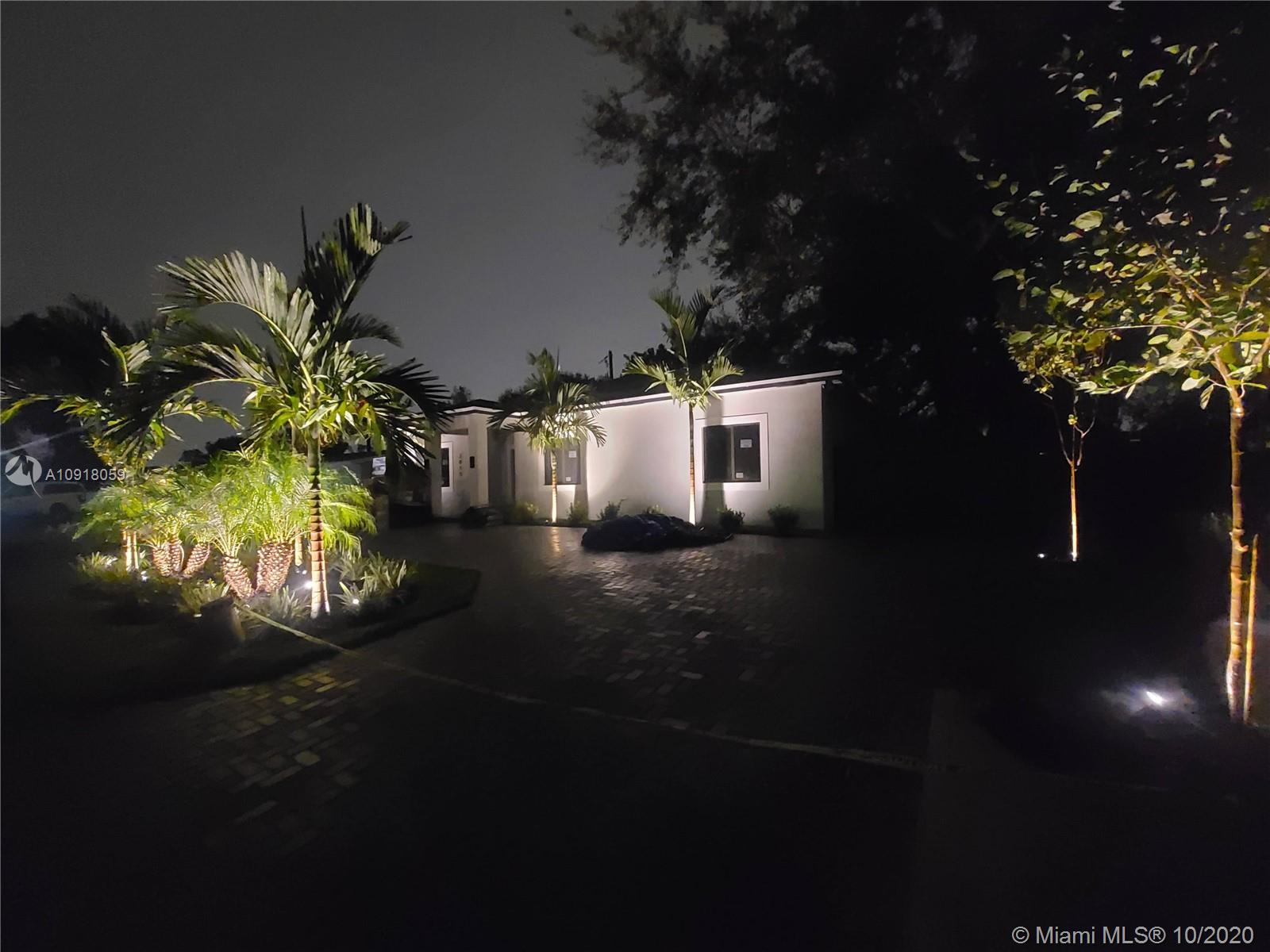 2015 SW 97th Ave  For Sale A10918059, FL