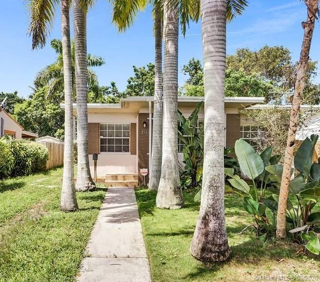 2535  Mckinley St  For Sale A10918346, FL