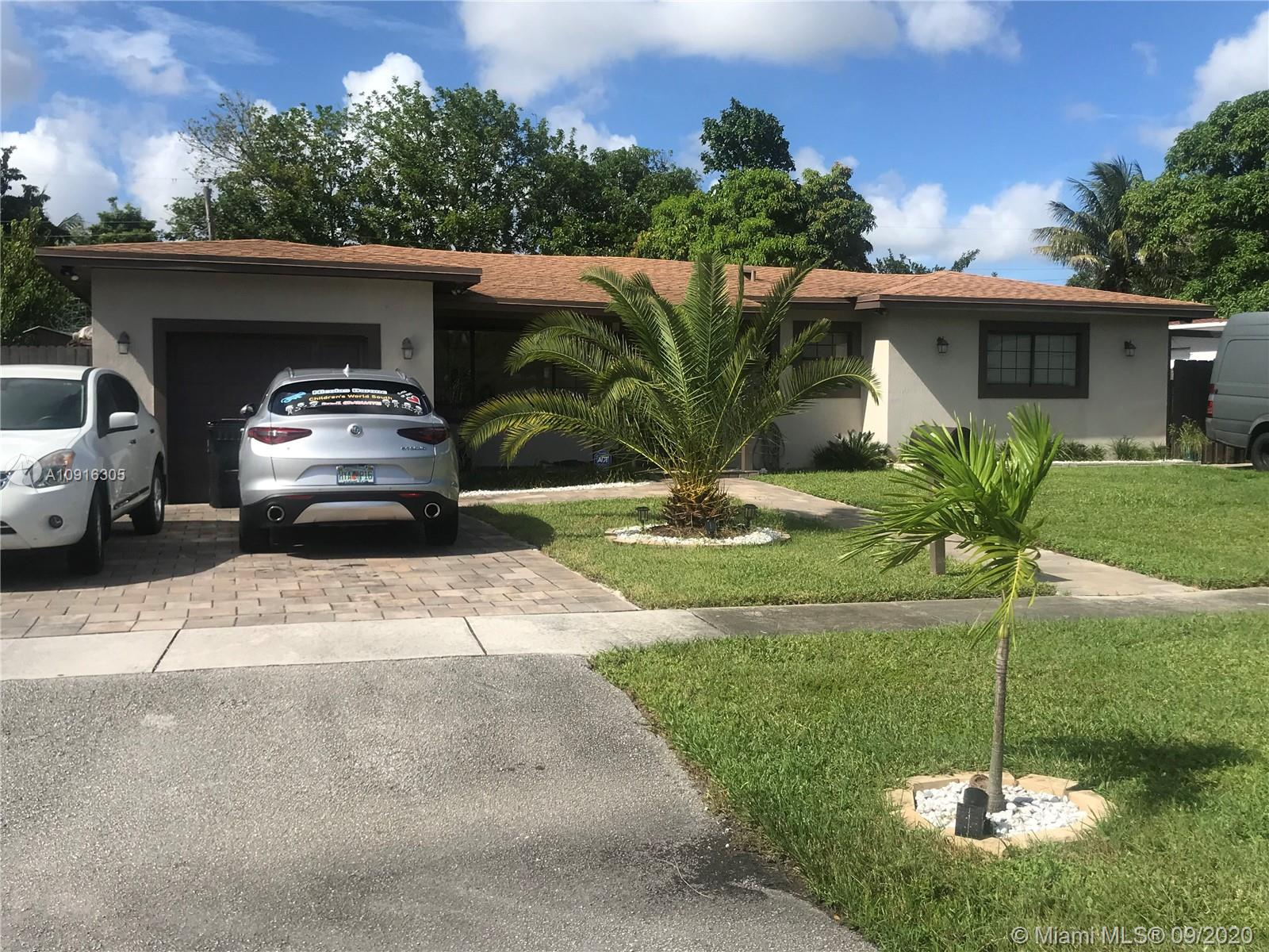 BEUTIFUL HOUSE, THE BEST PROPERTY IN THE NEIGHBORHOOD, COMPLETELY REMODELED (PLUMBING, ELECTRICITY, FLOORS, A / C, BATHROOMS, CEILING, LAUNDRY) ALL NEW TOP QUALITY, SPECTACULAR PATIO, LARGE TERRACE WITH CEILING FANS, WELL LIT, WITH FULL KITCHEN, OVEN, STAINLESS STEEL GRILL, NICE POOL, PLAYGROUND, STORAGE ROOM AND MUCH MORE