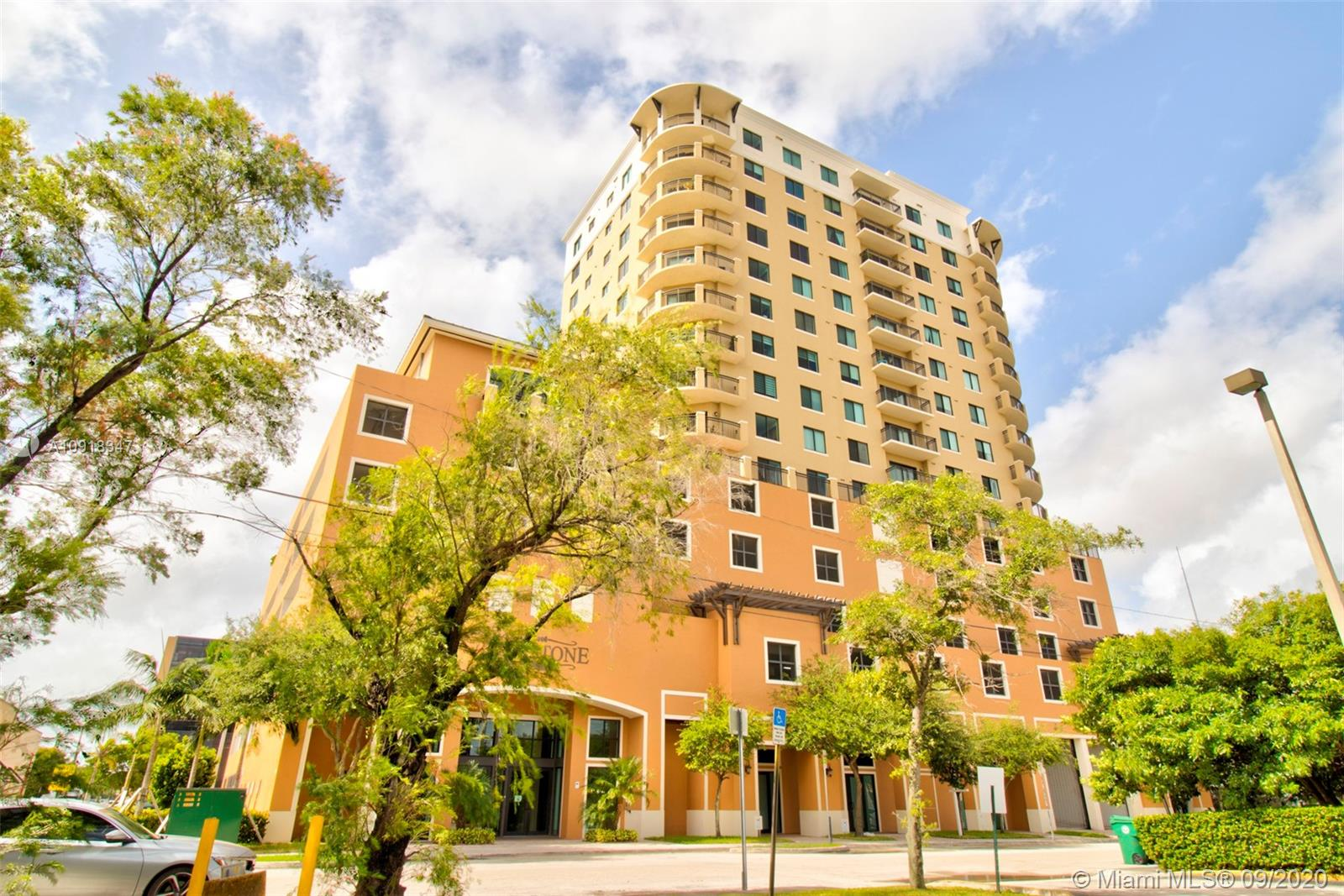 4242 NW 2nd St #1414 For Sale A10918347, FL