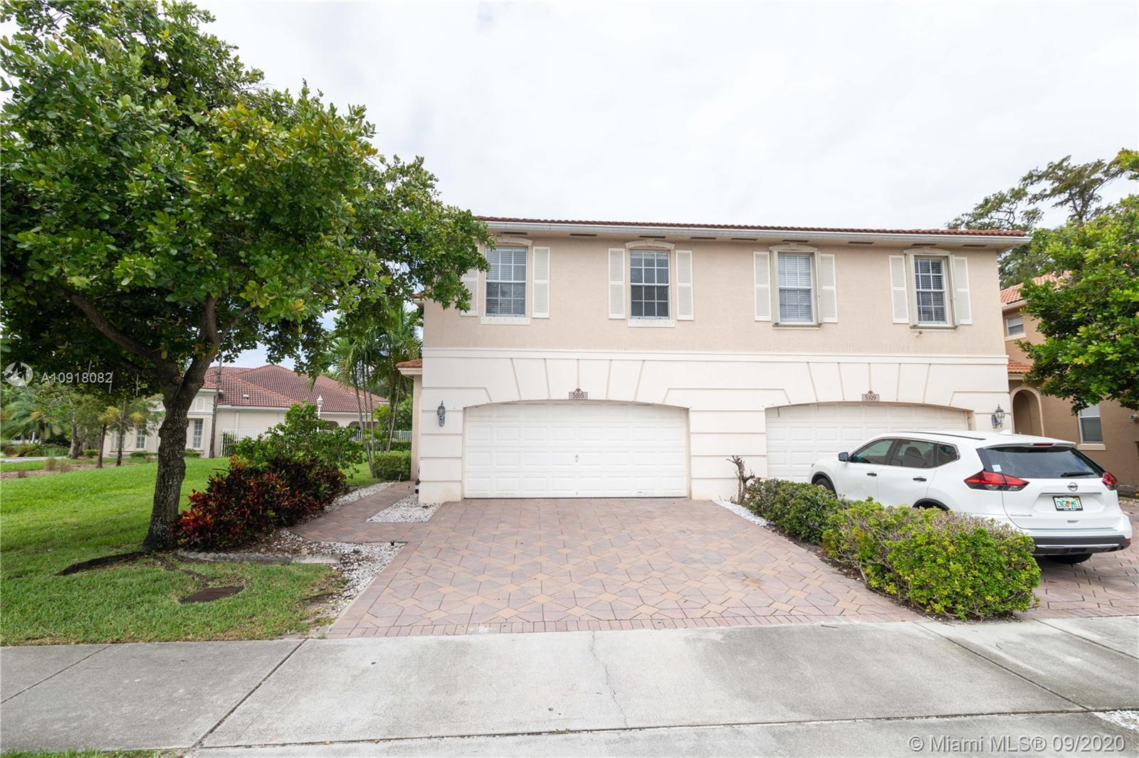 Very well maintained, spacious 3 Bedroom, 2 and half Bathroom, 1,616 Sqft townhouse with 2 car garage and 2 car driveway, located in very quiet community of Banyan Trials in Coconut Creek. Amenities includes Community Pool, Gym, Clubhouse, Kids Play area all included in very low monthly HOA $130/month.