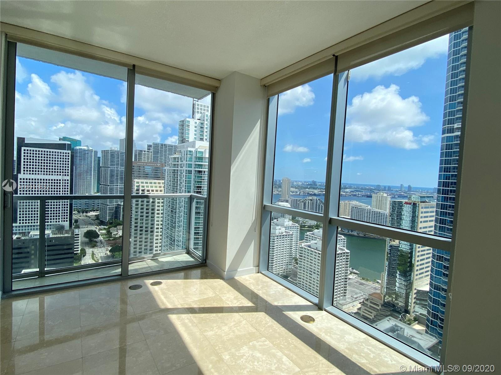 PREMIER UNIT, BEST LINE IN THE BUILDING. OPEN AND BRIGHT 2/2.5 UNIT WITH SPECTACULAR VIEWS IN THE HEART OF BRICKELL. UNIT IS IN PRISTINE CONDITION AND READY TO MOVE IN. BUILDING INCLUDES RESORT STYLE AMENITIES SUCH AS POOL, SPA, BILLARD ROOM, GYM, PARTY ROOM, ETC. WALKING DISTANCE FROM BRICKELL CITY CENTRE, MARY BRICKELL VILLAGE, RESTAURANTS, SHOPS, ETC.