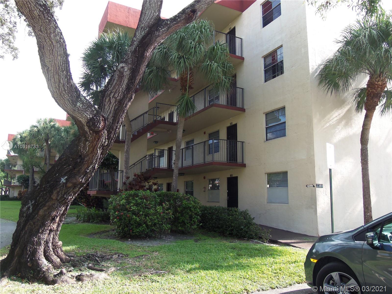 SPACIOUS 2 BEDROOMS 2 BATHROOMS CONDO IN CYPRESS CHASE NORTH. FIRST FLOOR UNIT OFFERING BEAUTIFUL LAKE VIEW IN GATED COMMUNITY. CARPET IN BEDROOMS AND TILE THROUGHOUT LIVING AREAS. SCREENED PATIO. CLOSE TO SHOPPING AND TRANSPORTATION. ALL AGES WELCOME!!