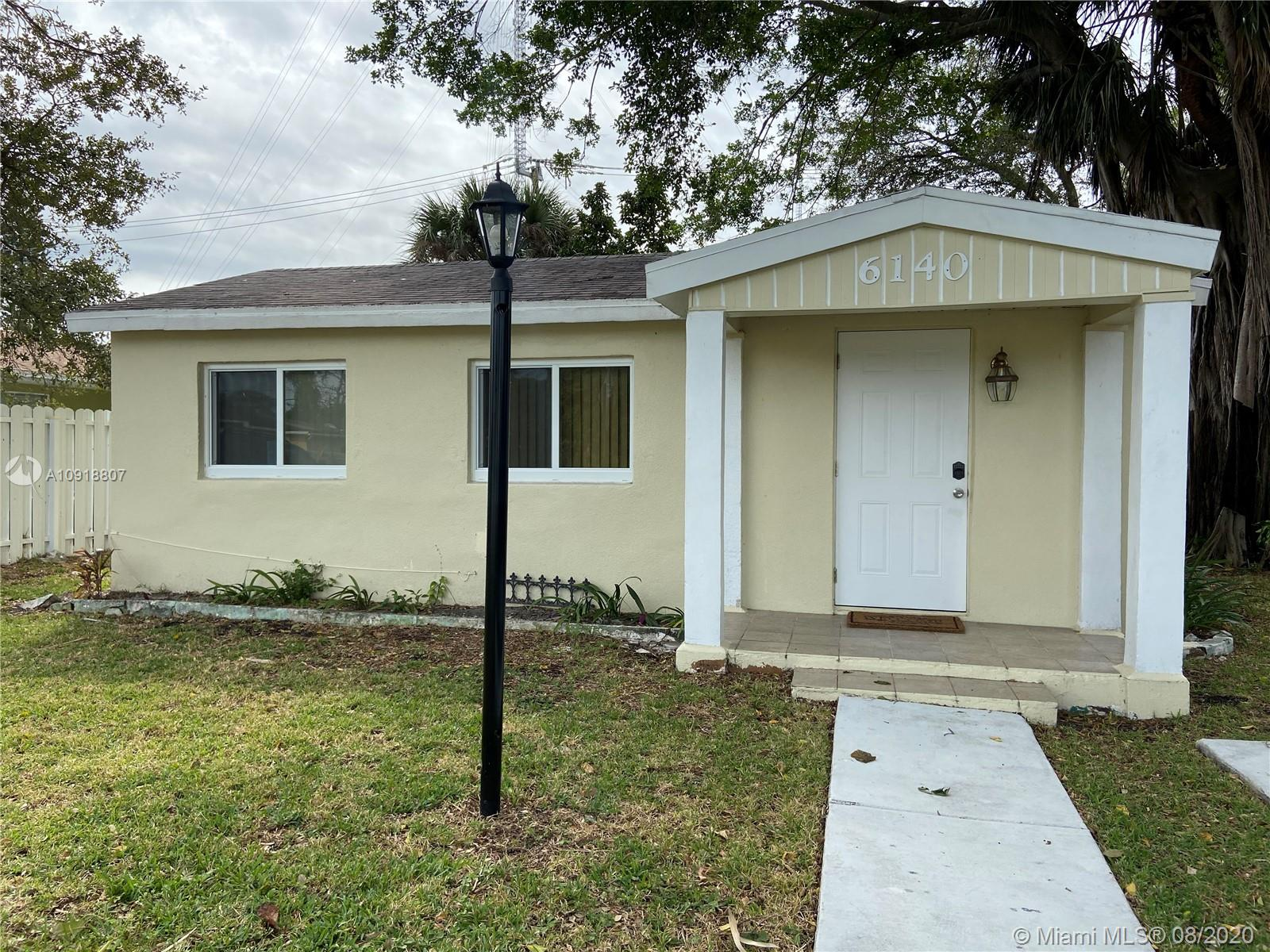 6140 SW 40th St  For Sale A10918807, FL