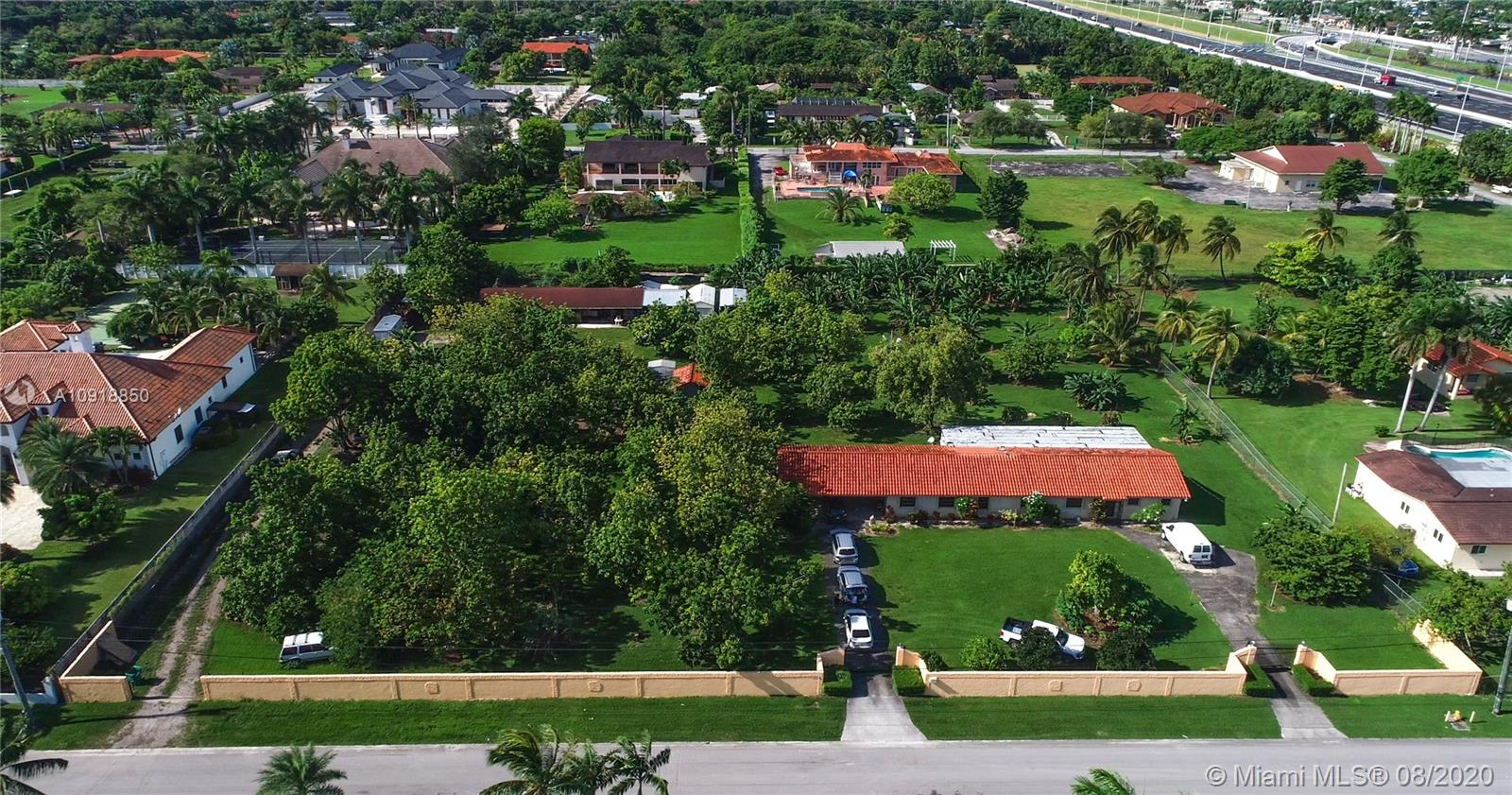 11825 SW 51st St  For Sale A10918850, FL