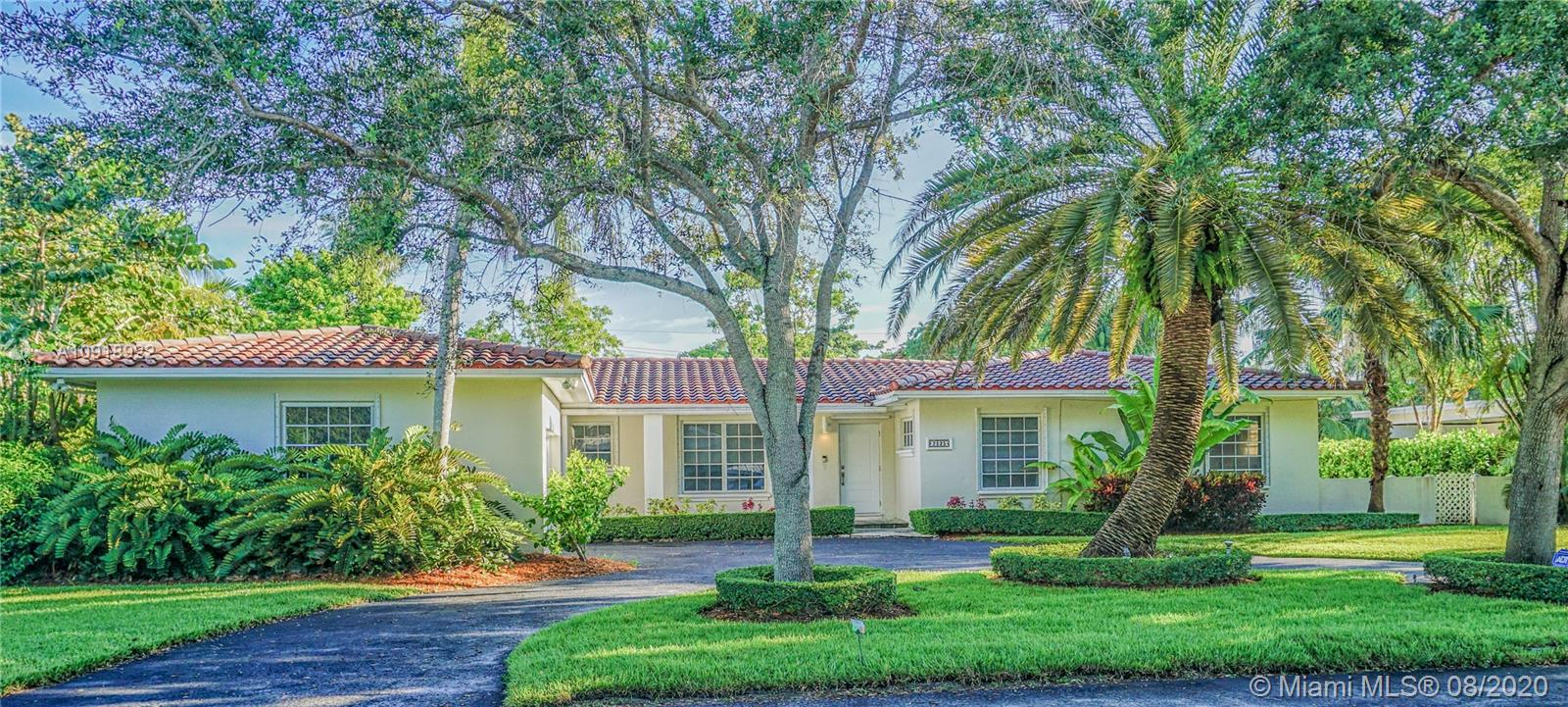 Ideal home for a growing family in a fantastic location. Renovated only 5 years ago and has a very efficient layout. Includes a Florida Room with a high ceiling and glass doors that open to the pool area. The outdoor area includes a recently remodeled pool with a modern gazebo and extensive landscaped garden. Two exterior rooms (in concrete block construction) are perfect for extra storage. Superb location in South Miami on quiet cul-de sac with direct access to the Palmetto highway and US-1, very close to public and private schools (St Thomas Apostle, Montessori, South Miami Lutheran), the University of Miami , restaurants, services and shopping (Dadeland Mall is only 10 minutes away).
